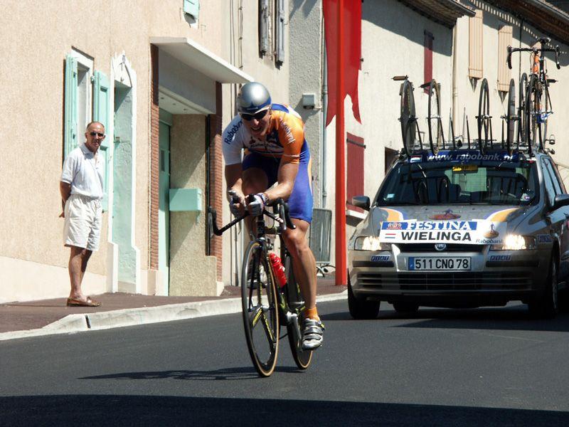 http://iaeperpignan2001.free.fr/Divers/Cyclisme/TDF2003/images/CLM%20043.jpg