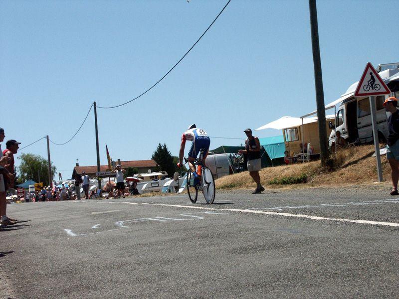http://iaeperpignan2001.free.fr/Divers/Cyclisme/TDF2003/images/CLM%20063.jpg