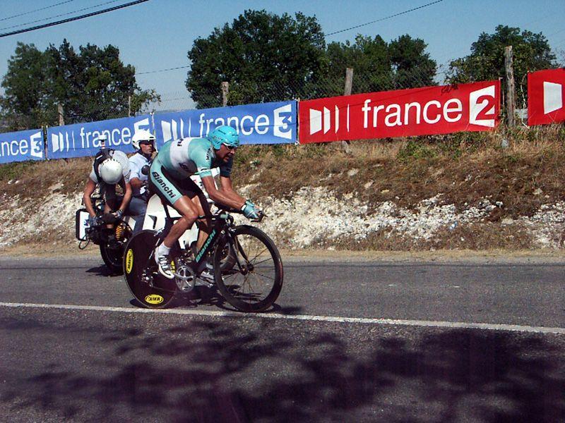 http://iaeperpignan2001.free.fr/Divers/Cyclisme/TDF2003/images/CLM%20136.jpg