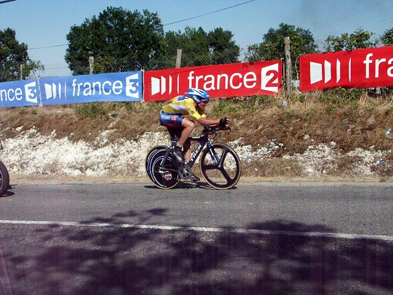 http://iaeperpignan2001.free.fr/Divers/Cyclisme/TDF2003/images/CLM%20147.jpg